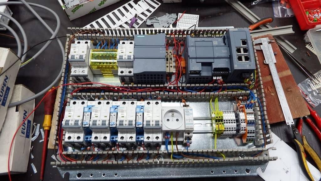 câblage coffret électrique